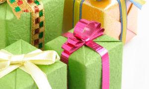 Как запомниться: что дарить гостям на своей свадьбе