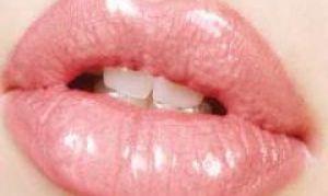 Как правильно красить губы.
