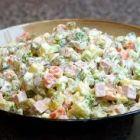 Как приготовить салат «Оливье»