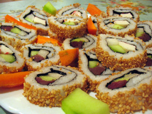 Как есть суши или как есть палочками блюда японской кухни