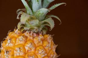 Как чистить ананас