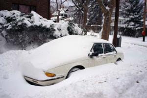 Мороз, снег и автомобиль