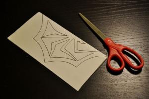 Ножницы для вырезания снежинки