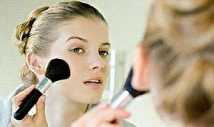 Как правильно краситься: ошибки при нанесении макияжа