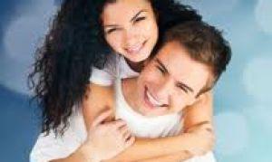 Как правильно вести себя с девушкой: советы парням