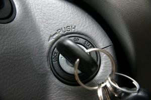 Попытка завести авто
