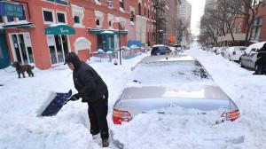Очистка авто от снега