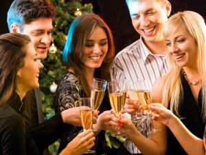 Празднование Нового года в гостях