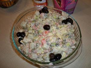 Украшенный салат Оливье